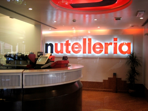 Nutelleria the all nutella restaurant eating the world for Aprire concept house