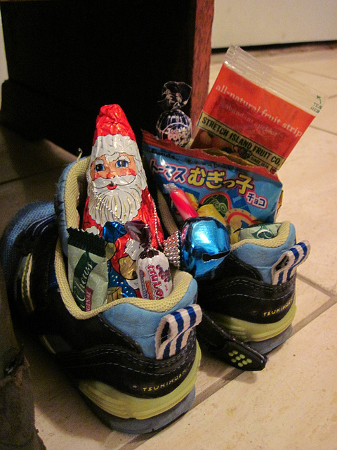 Candy-filled shoes for St. Nicholas Day - by Major Bonnet